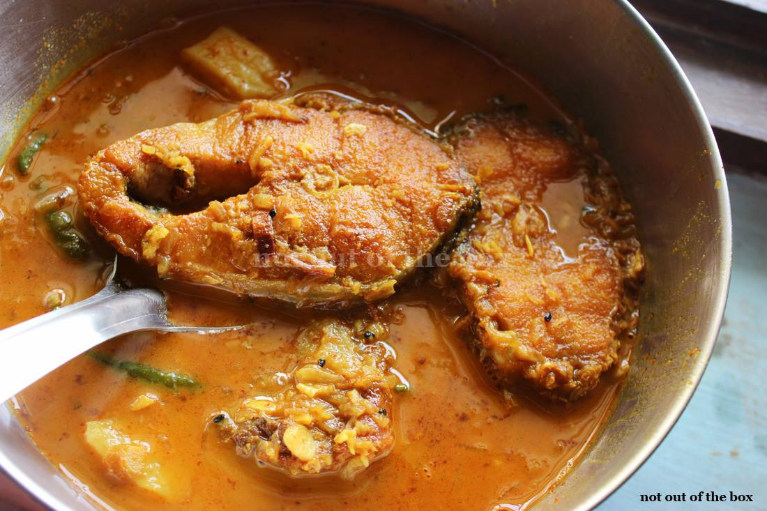 The everyday Fish Curry/Rojkar Mach er jhol